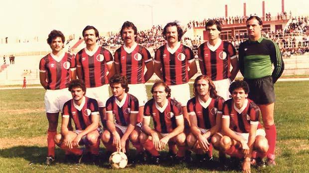 A typical Ħamrun Spartans formation in the 1982-83 football league season.