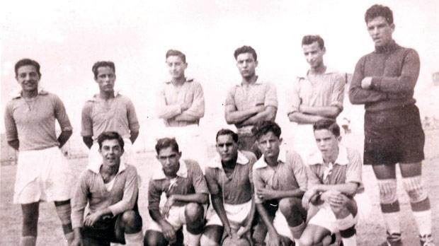 The Little Rainbows team in 1947-48.