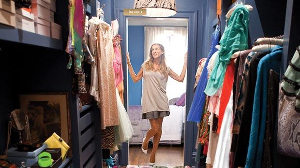 Nothing makes Carrie Bradshaw from Sex and the City happier than a walk-in closet with full features.