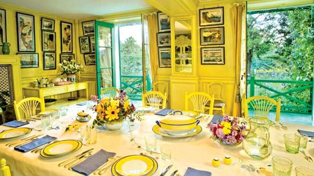 The artist's dining room – a delightful mixture of blue and yellow. Photos: Fondation Claude Monet Giverny – www.fondation-monet.fr/