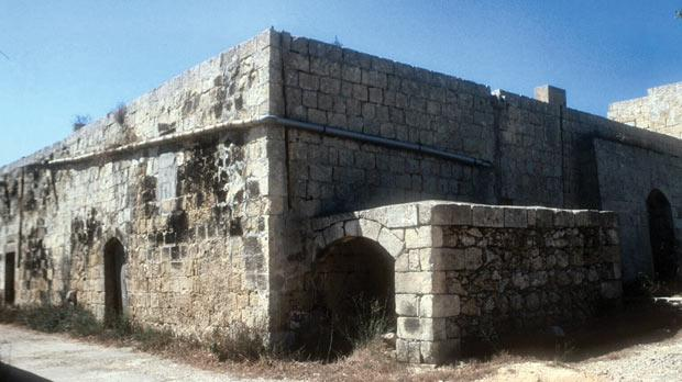 The farmhouse in Xagħra that was used during the plague, known as Tal-Fewdu Hospital.