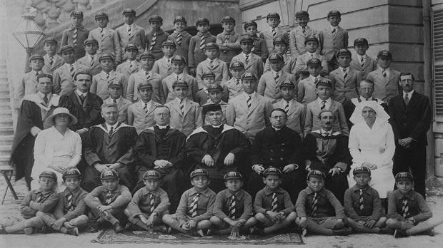 St Edward's College students and staff in 1931. Giuseppe Donati is in the third row, second from left.
