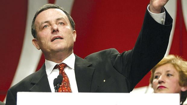Alfred Sant campaigning against EU membership in 2003. Photo: Darrin Zammit Lupi