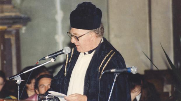 Fr Peter Serracino Inglott presides over a University graduation ceremony.