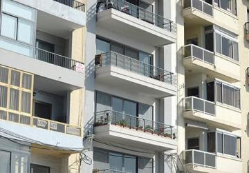 Real estate agents cannot cope with demand for cheap rental properties