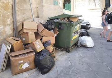 Valletta: Capital of clutter?