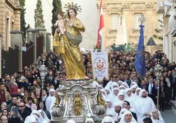 Pilgrimage for Our Lady brings hundreds to Żabbar