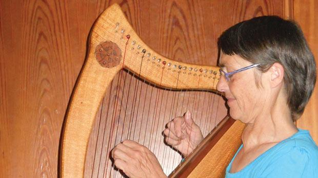 Harp therapist Sonja Grace