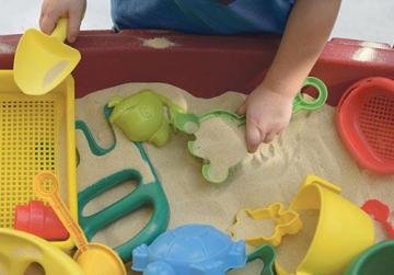 Childcare centres that played with money are 'cooperating' - ministry
