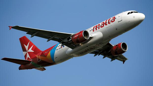 An Air Malta Airbus A320 in the new livery. Photos: Darrin Zammit Lupi