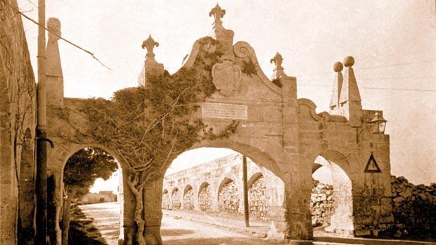 The Wignacourt Arch in Fleur-de-Lys.