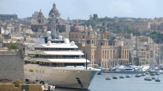 Abramovich S Yacht Visits Malta