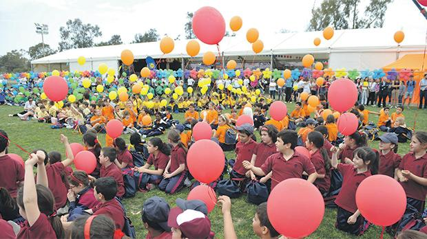 Schoolchildren participating in a previous edition of the Puttinu Cares marathon. Photo:  Matthew Mirabelli
