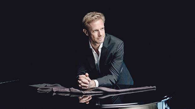 Andrew Von Oeyen. Photo: Marco Borggreve