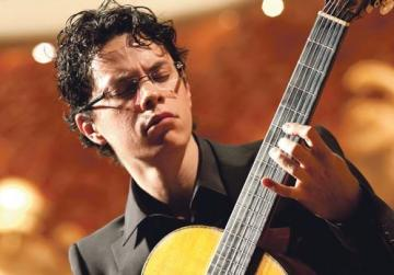 Ali Arango will perform masterpieces by Bach, Paco de Lucia, Villa-Lobos, Chopin, Paganini, Barrios-Mangoré and Tárrega.