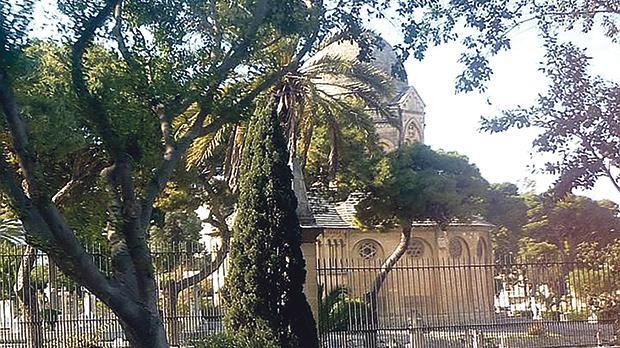 Ta' Braxia Cemetery in Pietà