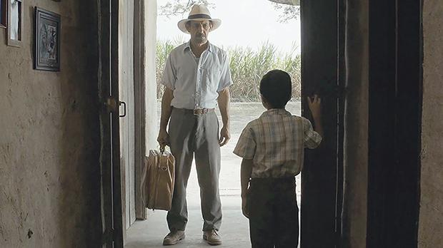 Haimer Leal returns home to find a dire situation in La Tierra y la Sombra (2015).