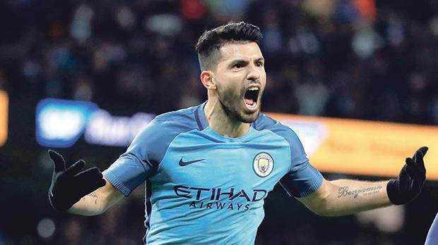 Manchester City hierarchy 'wowed' by Aguero form
