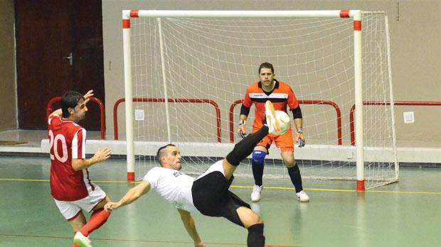 Hibs' Anderson Ribeiro (right) attempts a shot during the match against Balzan. Photo: Joe Borg