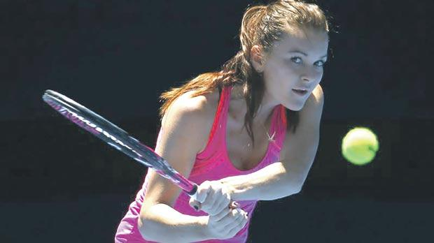 Sharapova draws Vinci with critic Radwanska waiting