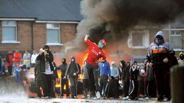 Police Officers Hurt In Belfast Riots