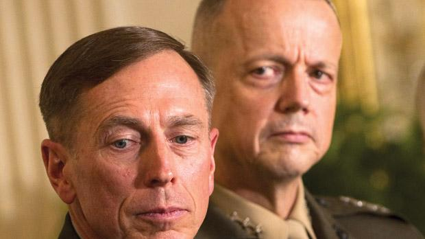 General David Petraeus and General John Allen, commander for US forces in Afghanistan (right). Photo: AFP