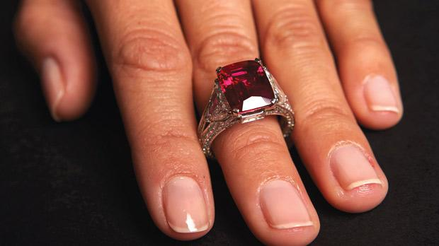Jeweller Graff buys back ruby for record price