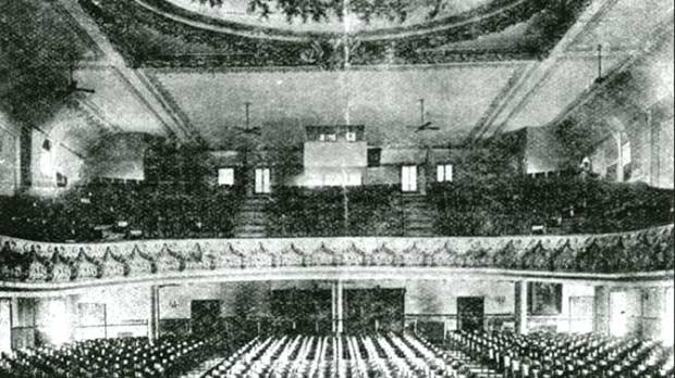 The theatre's interior circa 1915.